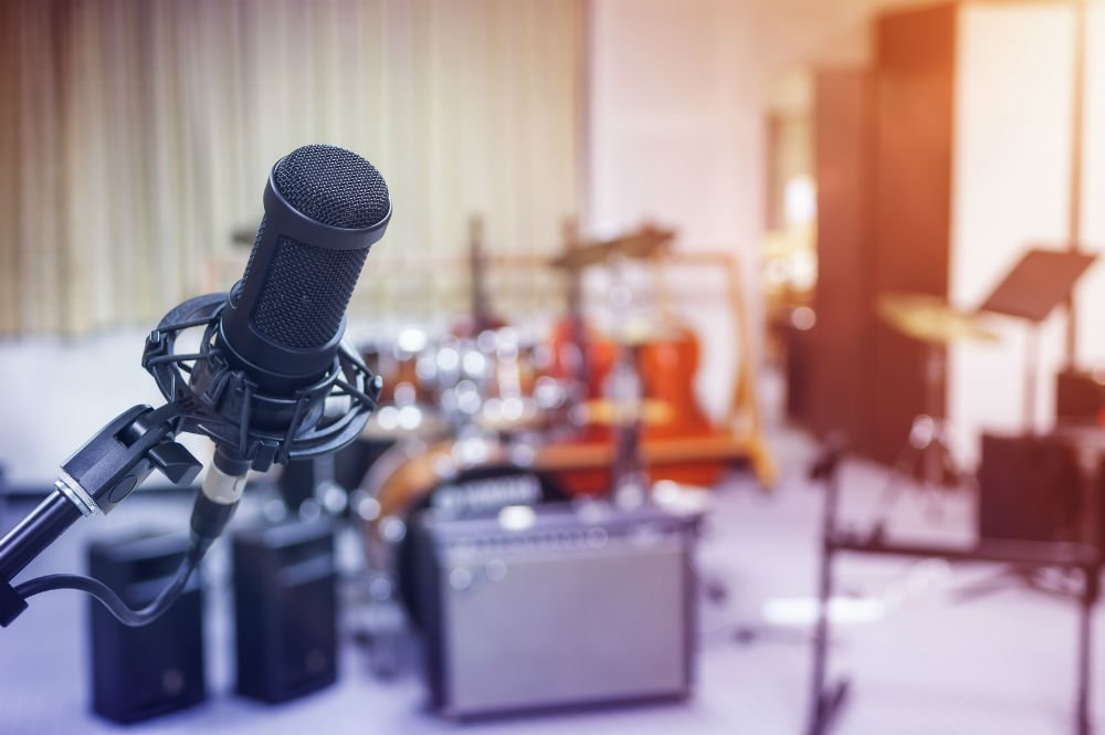 How to Set Up a Microphone for Recording: Tips and Tricks
