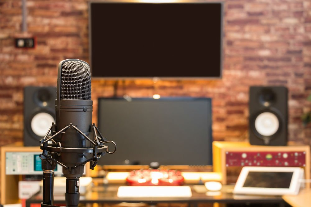 What Microphone for Home Recording Should I Use?