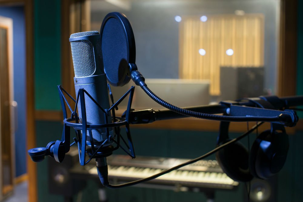 What Microphone is Used in Recording Studios? : Setting Up a Recording Studio 101