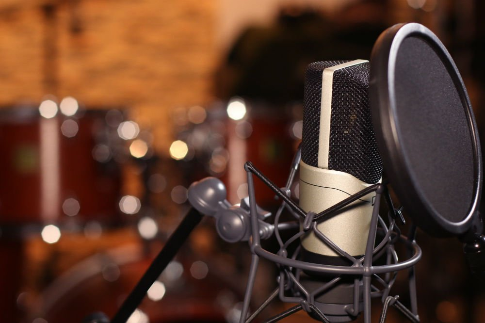 How to Choose a Microphone For Recording